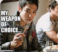 I love TOP! Kill em' with a fork! Top Bigbang, Daesung, Big Bang Memes, Akdong Musician, Rapper, Top Choi Seung Hyun, Rap God, Kpop Guys, Korean Music