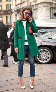 Winter Outfit Idea. Love this statement green coat.  The color mixing is so interesting and different. #winter #streetstyle #fashion