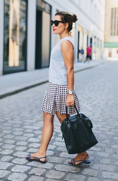 Head to toe in love with this outfit!!  @dariadaria   #coolblogger #parisianchic #summer #outfit