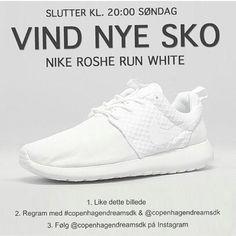 toveedvardsen9's photo on Instagram Sneakers, Instagram, Fashion, Tennis, Moda, Slippers, Fashion Styles, Sneaker, Fashion Illustrations