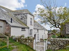 Overhaven (ref in St Minver, near Wadebridge, Cornwall English Country Cottages, Cornwall, Easter, Exterior, Cabin, Inspired, House Styles, Plants, Inspiration