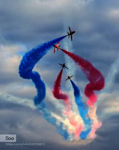 The Detonator por Harry Tsappas Military Jets, Military Aircraft, Air Fighter, Fighter Jets, Cute Wallpaper Backgrounds, Cute Wallpapers, American Wallpaper, Raf Red Arrows, Film Photography Tips