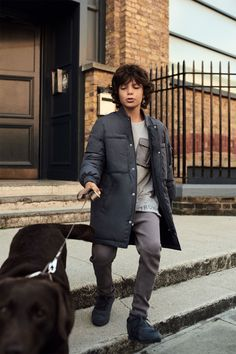 Discover the new ZARA collection online. The latest trends for Woman, Man, Kids and next season's ad campaigns. Little Kid Fashion, Kids Fashion Boy, Zara Kids, Preteen Fashion, Trendy Fashion, Fashion Fall, Hansel Y Gretel, Kids Fashion Photography, Kid Styles