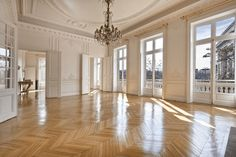 Parisian apartment style is one of the dominant home decorating trends. Here's how to recreate it at home, with 5 easy pieces that you can buy anywhere. Paris Apartment Interiors, Zeitgenössisches Apartment, French Apartment, Dream Apartment, Scandinavian Apartment, Apartment Layout, French Interior, Home Interior Design, Modern Interior