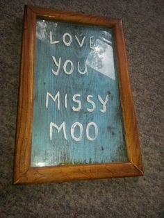 spray painted wood backing and painted writing on the glass !  #upcycling #reuse #vintagelook
