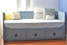 Ikea hemnes daybed- painted MILK PAINT! CHANGE THE DRAW PULLS