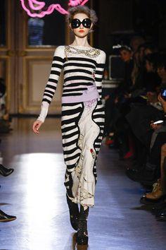 Tsumori Chisato Fall 2011 Ready-to-Wear
