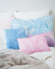 5 Projects Made With Sunprints: Tablecloth, Napkins, Framed Art, Pillows, and an Apron Cute Crafts, Diy Crafts, Sun Prints, Sweet Paul, Cute Pillows, Just Dream, How To Dye Fabric, Diy Projects To Try, Fabric Crafts