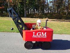 Wrecking Ball Crane #costume #kids #cardboard #wagon #mobile