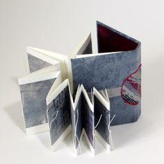 Annwyn Dean Accordian Book, Homemade Books, Cool Journals, Stitch Book, Book Sculpture, Sketchbook Pages, Book Binding, Book Making, Altered Books