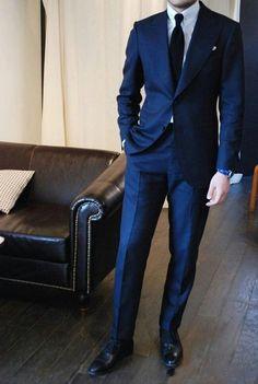 Clássico azul marinho homens se adapte para a festa de casamento barato Slim Fit xale lapela do noivo smoking ( jacket + Pants + tie ) em Ternos de Roupas e Acessórios - Masculino no AliExpress.com