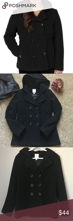 """Wool blend hooded pea coat Croft & Barrow hooded wool blend pea coat, size S. 78% wool, 22% nylon, fully lined with 2 front pockets and extra buttons. Measures approx 26"""" long, true size S. EUC, smoke free home! croft & barrow Jackets & Coats Pea Coats"""