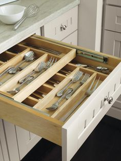 Having trouble maximizing space in your kitchen? Check out these tips on how to organize with efficient storage solutions!