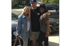 Rob Kardashian poses with Blac Chyna and her mum (Photo)