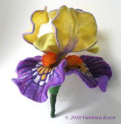 By The Fiber Florist via Felter Skelter: Needle Felt and Fiber Flowers
