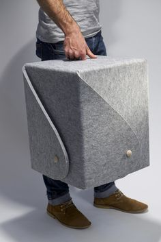 Toby Nowland, fold peg stool