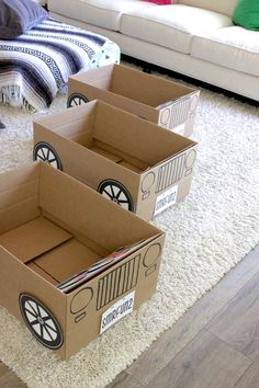Drive In Movie Summer Fun, free printable, drive-in movie, playdate, summer fun ideas Cardboard Car, Cardboard Box Crafts, Projects For Kids, Crafts For Kids, Diy Bebe, Sleepover Party, Kids Boxing, Diy Toys, Toddler Activities