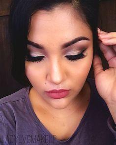 Recuerda que puedes ver como realizo este maquillaje y muchos mas en mi canal de #YouTube  solo tienes que suscribirte AQUI ⬇️⬇️  https://m.youtube.com/channel/UCZGLat5GUdC2vNN0CK49otw
