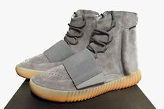 """The adidas YEEZY Boost 750 """"Glow In The Dark"""" will release on June according to retailers confirmed to release the shoes. The ever-popular Yeezy sneaker line finally gets a due release after a long hiatus since the Pirate Black … Continue reading → Look Adidas, Look 2017, Skate Wear, Adidas Shoes Women, Sneaker Magazine, Adidas Outfit, Yeezy Shoes, Urban Outfits, Casual Outfits"""