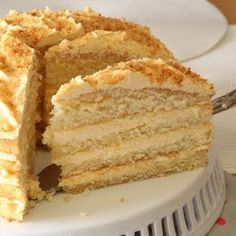 Tannie Lili se sjiffon vla koek Ek voel geëerd dat tannie Lili my vertrou het met hierdie wenner resep van haar, graag d… Baking Recipes, Cake Recipes, Dessert Recipes, Desserts, Custard Recipes, Kos, Cake Cookies, Cupcake Cakes, Bundt Cakes