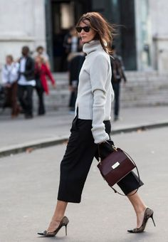 Street style | Grey turtle neck sweater, black trousers, heels and a burgundy handbag
