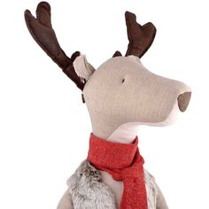 GRAND RENNE CALENDRIER DE L'AVENT MAILEG Dim. 94 cm haut (100cm haut avec les bois) Ce renne calin au gilet doux est une pièce de décoration parfaite pour Noël et le grand compagnon de vos enfants toute l'année. Il fonctionne aussi comme un calendrier de l'avent avec 4 anneaux en métal et 2 numéros cousus pour accrocher les  cadeaux, pour un compte à rebours des samedis et-ou dimanches avant Noël ! 71 euros - 20% à la première personne qui nous envoie un e-mail avec le code PINTEREST !