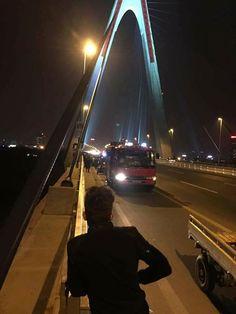 Tìm thấy người đàn ông rơi xuống sông Hồng khi đi vệ sinh trên cầu Nhật Tân