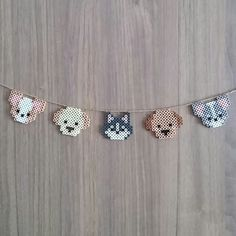 Perler dogs on a string Easy Perler Bead Patterns, Melty Bead Patterns, Perler Bead Templates, Diy Perler Beads, Perler Bead Art, Pearler Beads, Fuse Beads, Hama Beads Kawaii, Peyote Patterns