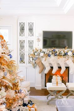 A cozy Blue White and Gold Christmas Home Tour  #christmasdecor #christmas #Hanukkah #Hanukkahdecor #holidaydecor #clueandgold #blueandwhite #blueandgoldchristmasdecor #blueandwhitechristmasdecor #imdreamingofawhitechristmas #gingerjars #chinoisserie #bluegingerjars #whitegingerjars #gold #blue #white #holiday #bottlebrushtree #bottlebrushchristmastrees #christmastree #manteldecor #christmasmantel #stockings #whitestockings Christmas Mantels, Gold Christmas, Christmas Home, Christmas Hanukkah, Christmas Decorations, Family Room Colors, Christmas Interiors, Room Color Schemes, Christmas Wonderland