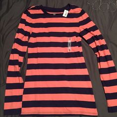 Old navy long sleeve striped shirt NWT!! Old navy striped top, long sleeve. Size medium Old Navy Tops