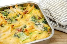 Bagt pasta - nem opskrift med broccoli og bacon via @madensverden Broccoli, Quiche, Recipies, Healthy Recipes, Healthy Foods, Breakfast, Handmade, Inspiration, Aluminium Foil