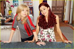 ariana grande jennette mccurdy sam cat pilot pics 19, Ariana Grande and Jennette McCurdy get a little dirt smudged on their faces in this new pic from Sam & Cat.    In the series premiere, total opposites Sam Puckett…