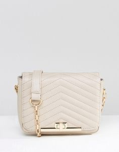 New Look Quilted Bag With Chain Strap at ASOS. Shop this season's must haves with multiple delivery and return options (Ts&Cs apply). Fall Bags, Chain Shoulder Bag, Shoulder Bags, Purse Styles, Quilted Bag, New Look, Fashion Online, Satchel, Handbags