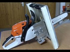 Lachner Schneidfix - YouTube Carpentry Tools, Woodworking Tools, Timber Framing Tools, Lumberjack Tools, Portable Chainsaw Mill, Wood Jig, Pallet Shed, Door Gate Design, Timber Frame Homes