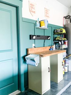 Tips and tricks for getting (and keeping) your workshop or garage organized. Tips for tool organization, cleaning your workshop, and making it look great! Garage Tool Organization, Workshop Organization, Laundry Room Organization, Locker Storage, Organization Ideas, Workshop Ideas, Workshop Storage, Organizing, Small Workbench
