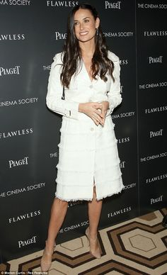 Demi Moore She looks the same today! The former Brat Packer seen in Demi Moore, Hollywood Star, Little White Dresses, Famous Women, Chic, What To Wear, Celebrity Style, My Style, Olivia Benson