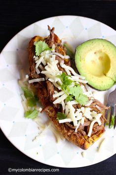 Plátano Relleno de Carne Desmechada (Ripe Plantain Stuffed with Shredded Beef) | My Colombian Recipes