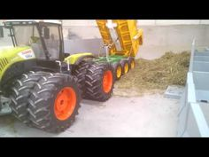 BRUDER TOYS / Bruder Tractor Claas Xerion 5000