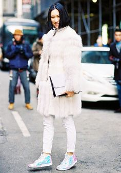 "Share this Style | #Snowstorm: o #branco ""caiu"" sobre a #streetstyle #WhoWhatWear #EvaChen"