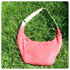 Le sac banane fraise. modele tiré du livre ma fabrique de sacs d'Elsa Giraud-Virissel