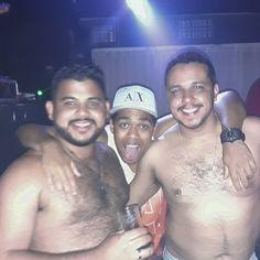 Na buathy cozamigos... Porque todo mundo espera alguma coisa de sábado a noite.  #Club #Bear #Boite #Cozamigos