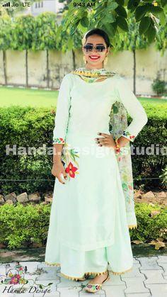 Dress Neck Designs, Stylish Dress Designs, Bridal Blouse Designs, Stylish Dresses, Simple Dresses, Punjabi Suits Designer Boutique, Boutique Suits, Indian Designer Suits, Designer Salwar Suits