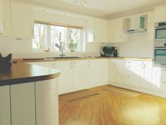 Shaker Alabaster Kitchen with White Subway Tiles in Spalding Lincolnshire - visit http://www.premier-kitchens.co.uk for a free 3D design and plan visit with a Premier Kitchens Kitchen Designer