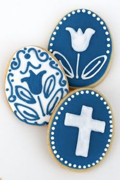 Blue and White Easter Cookies - Glorious Treats Cute Cookies, Easter Cookies, Easter Treats, Sugar Cookies, Cross Cookies, Orthodox Easter, Greek Easter, Easter Religious, Easter Traditions