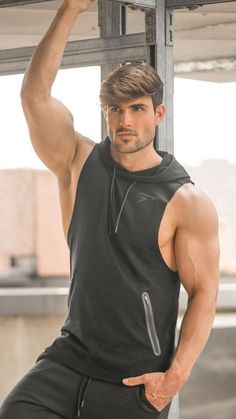 Mario, Chocolate Boys, Hot Hair Styles, Male Poses, Mens Fitness, Fitness Wear, Male Beauty, Workout Wear, Handsome Boys