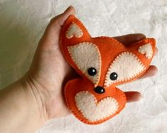 Orange FOX Lavender or Cinnamon Fluff-filled Dream Pillow Sachet Air Freshener Baby Rattle Ornament Snuggle Poppet Fox Crafts, Diy And Crafts, Arts And Crafts, Fox Pillow, Felt Animal Patterns, Felt Christmas, Xmas, Felt Hearts, Felt Diy