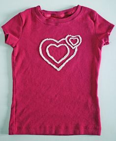 frayed cutout applique shirt for Valentines. #tshirt #fabric #sewing #valentines #kids