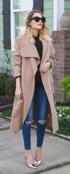 #fall #fashion / camel trench coat + ripped jeans