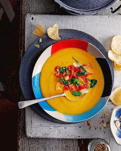 I love sweet potatoes!! So versatile and packed for of goodness. This beautiful smooth soup from Alice hart in @jamiemagazine has added crunch from coconut flakes and poppadom pieces especially good ifs its getting colder like it is in the UK right now!! give this a go guys, recipe on my website big love xx J #recipeoftheday