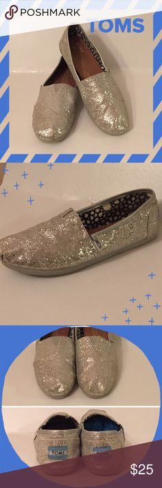 🌸 TOMS 🌸  Silver Glitter Great Condition!!!  TOMS size 7. TOMS run true to size. No flaws, worn 6 times or less. TOMS Shoes Flats & Loafers